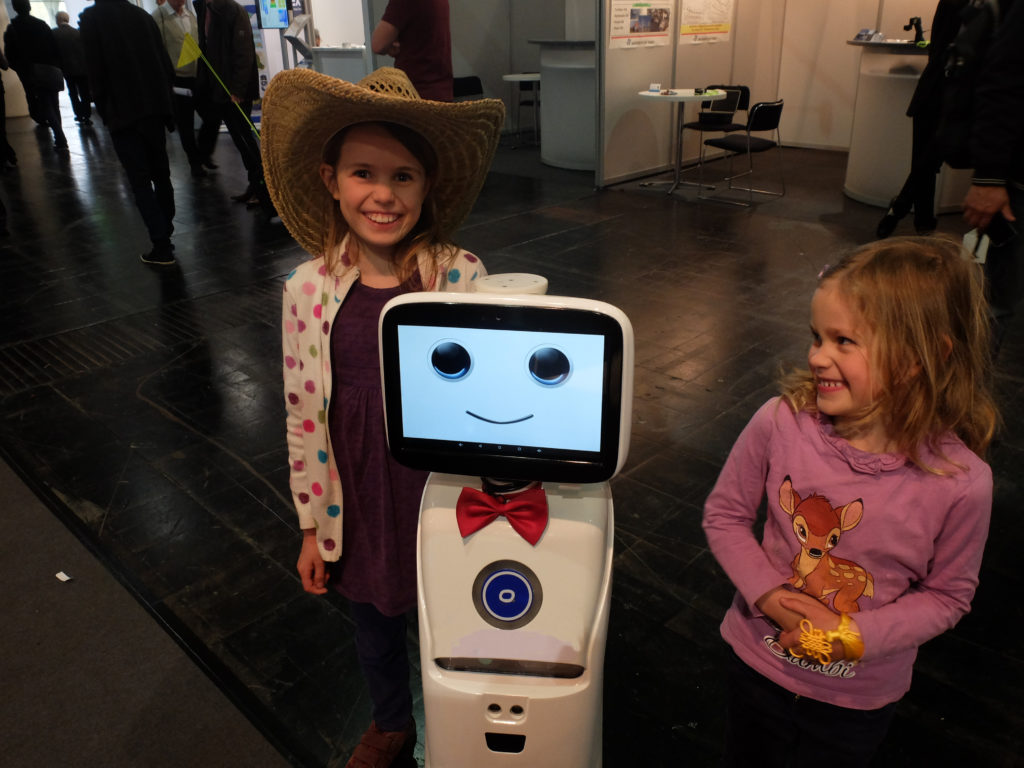 Intelligent telepresence Healthcare Robot - SIFROBOT-1.1 With 1000 m² Navigation Area  Telepresence Robot with children